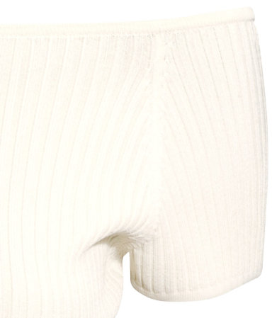 A close up of the rib-knit detail on the white H&M top