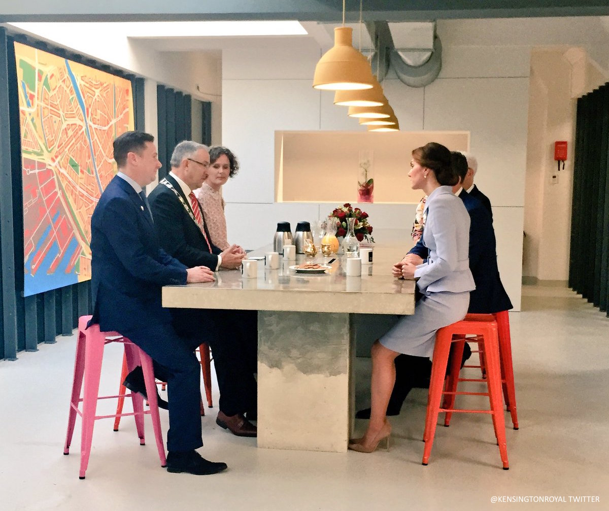 Kate Middleton visiting bouwkeet