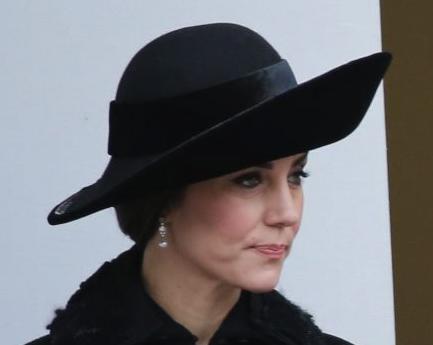 hat-earrings