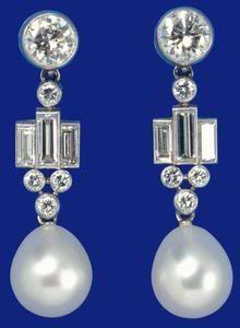The Duchess of Cambridge wears earrings from the Sultan of Brunei