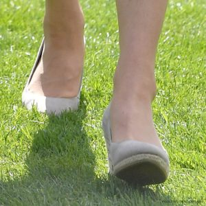 Kate Middleton wearing the Monsoon Fleur wedges to the Buckingham Palace Garden Party