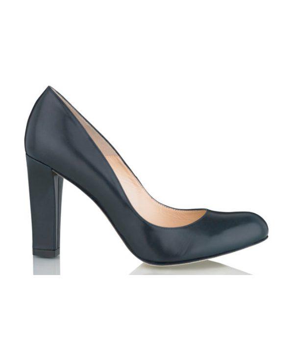 e72b90f8eca Kate Middleton s shoes • heels