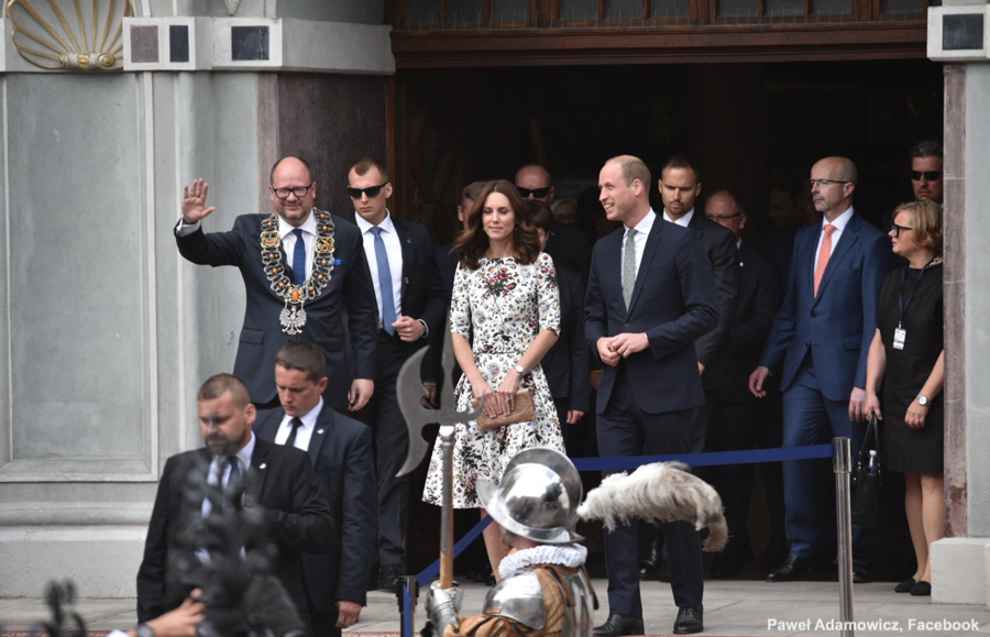 William and Kate meet the mayor of Gdansk