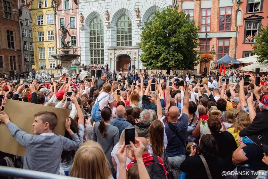 Crowds in Gdansk waiting for William and Kate