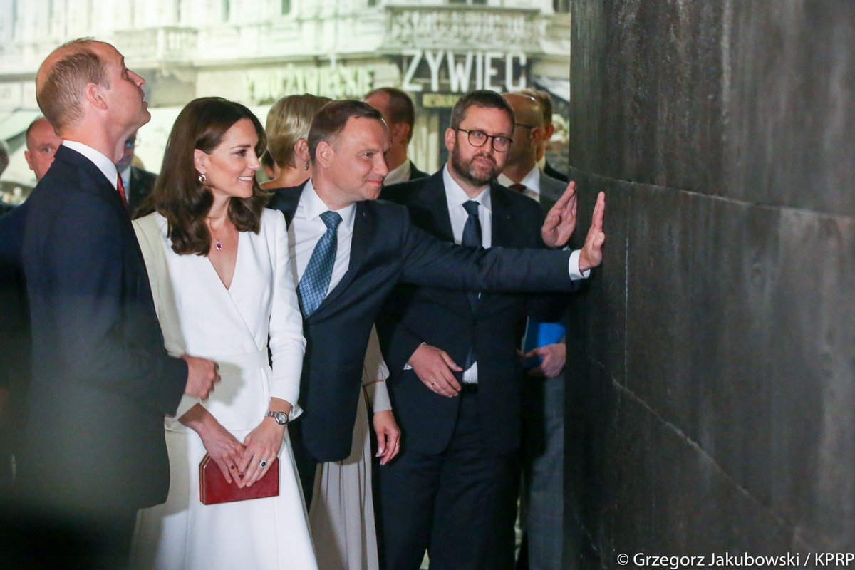 Prince William and Kate Middleton visit the Warsaw Uprising Museum