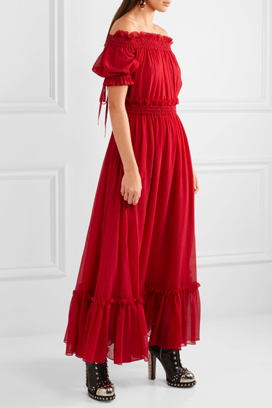 a84ebd039898 The dress was made in Italy and cut from a cotton and silk-blend chiffon  fabric and has a crinkled finish. It features elbow length sleeves that are  ...