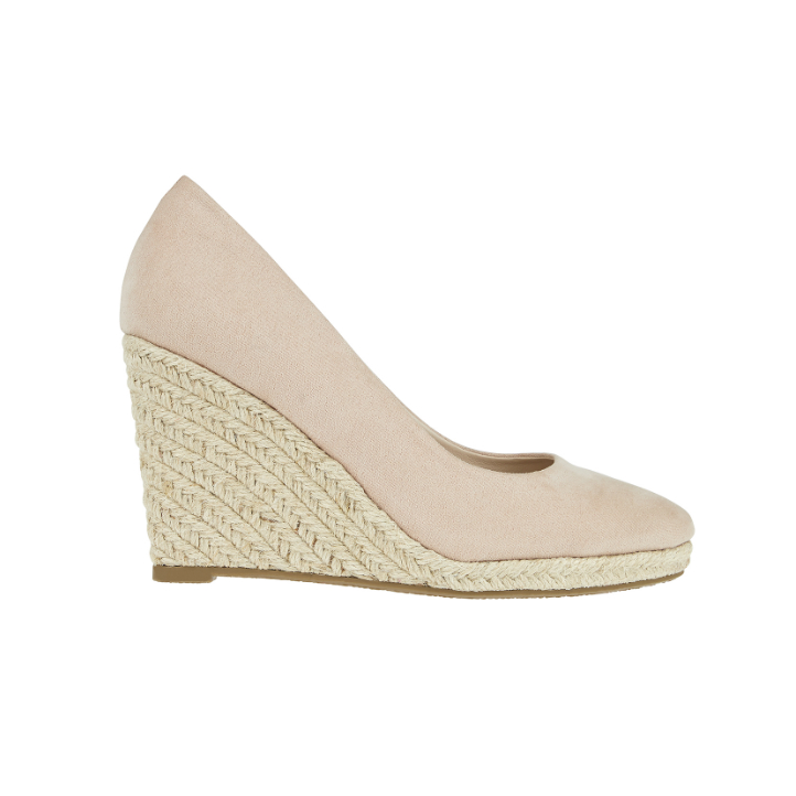 Monsoon have re-released Kate's wedges in a similar nude colour for spring/summer 2018.