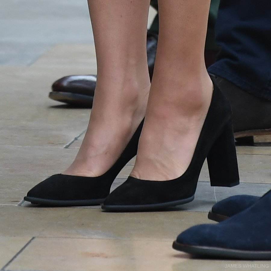 Kate Middleton's Block Heeled Pumps in Black Suede