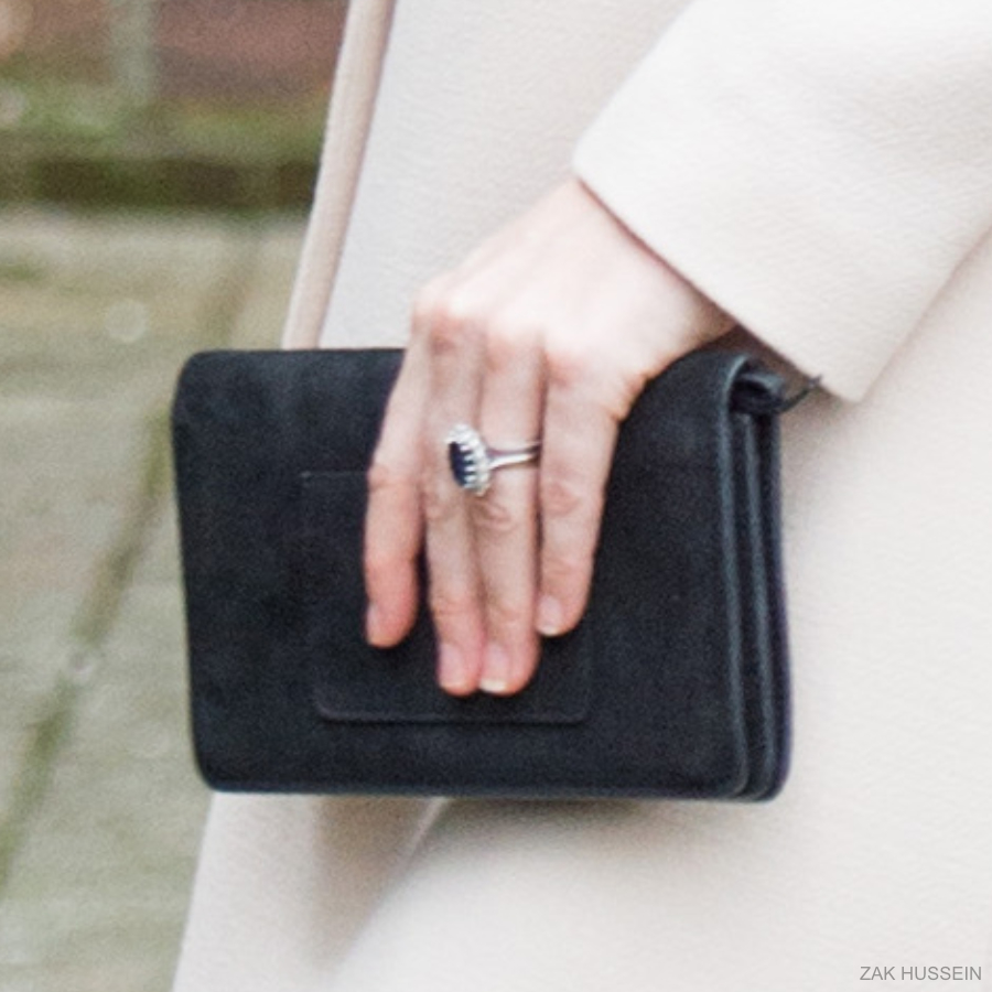 Kate Middleton carrying her Mulberry Bayswater bag