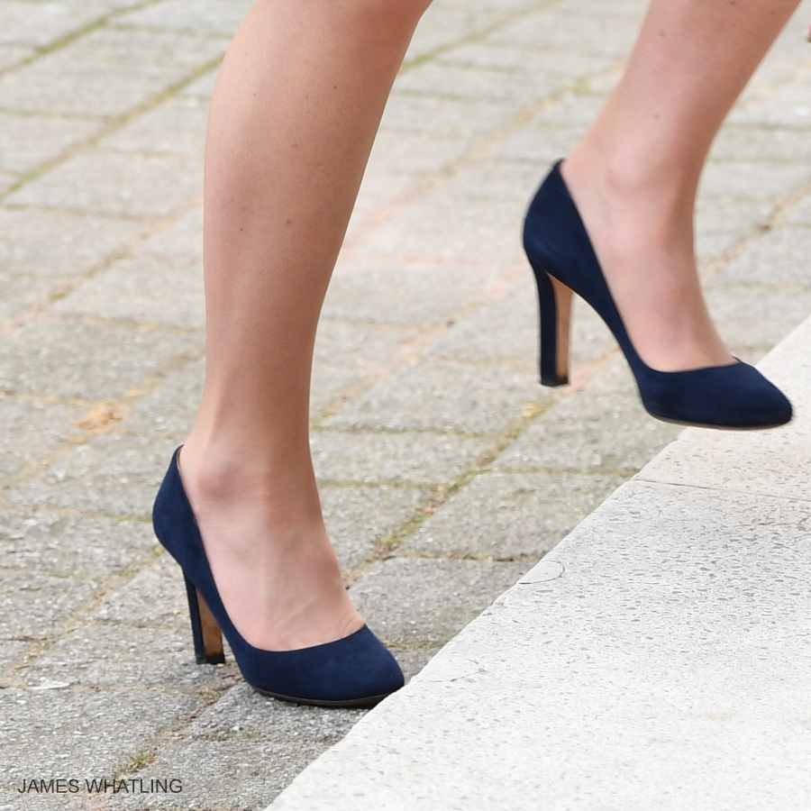Kate Middleton wearing the blue Jimmy Choo Georgia pumps during today's visit to the RCOG