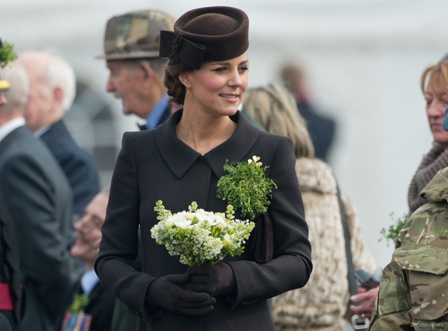 Kate Middleton wearing her Cornelia James Imogen gloves in brown