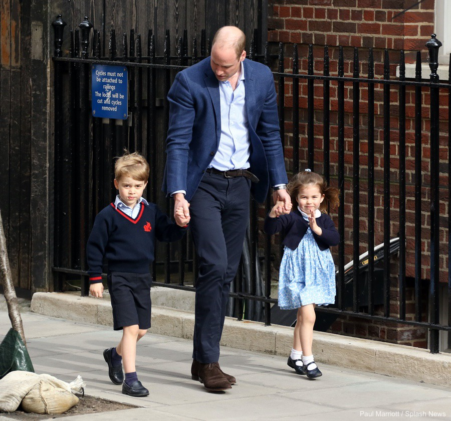 Princess Charlotte and Prince George visiting the Lindo wing