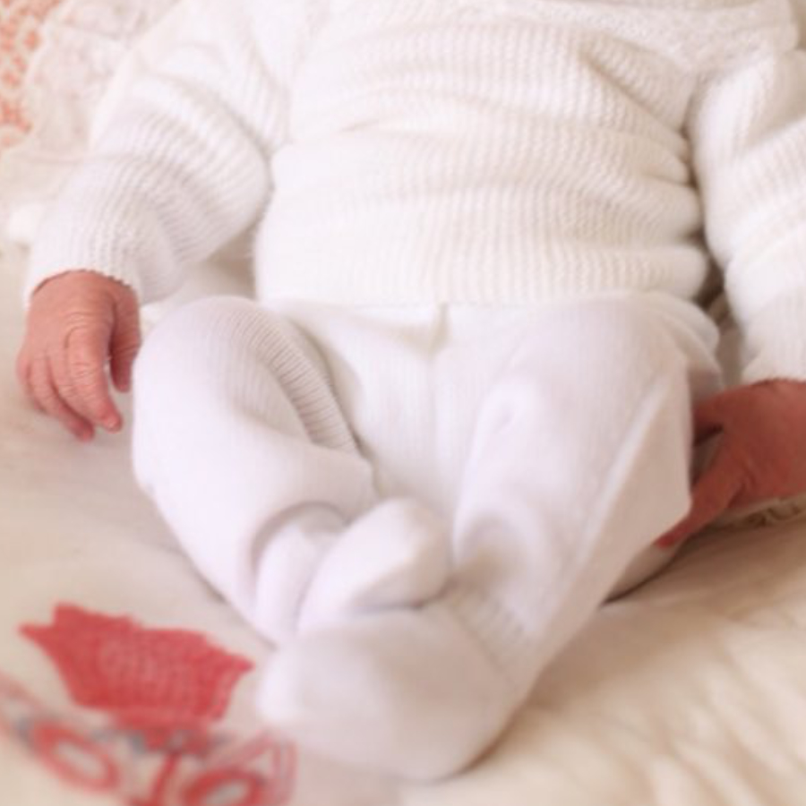 Prince Louis wearing knit leggings