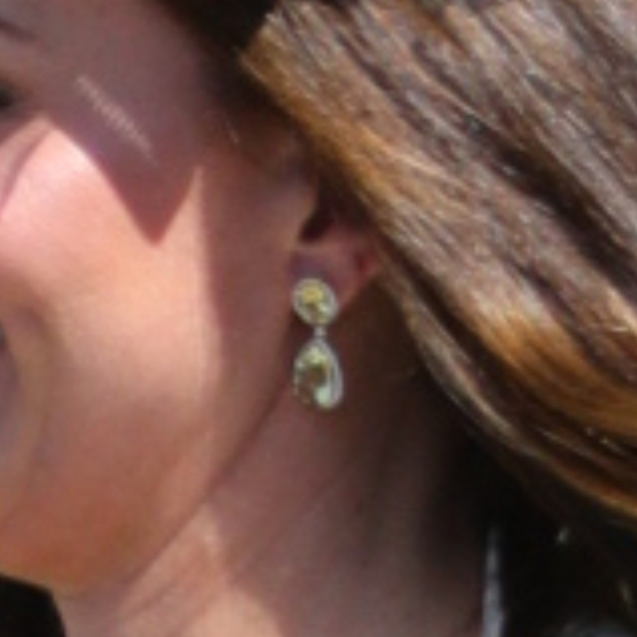 Earrings worn by Kate Middleton