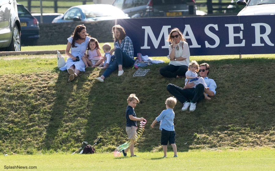 Prince George and Princess Charlotte playing with their cousins