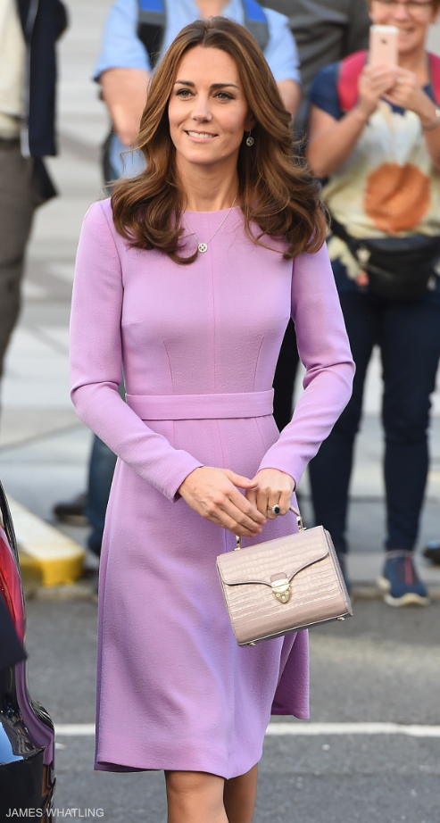 Kate Middleton carrying a cream bag