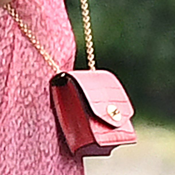 Kate carrying the Mulberry Darley bag in red croc